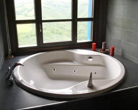 casa rural asturias jacuzzi habitacion
