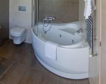 Hoteles con jacuzzi privado en la habitaci n en asturias - Hoteles con piscina climatizada en asturias ...