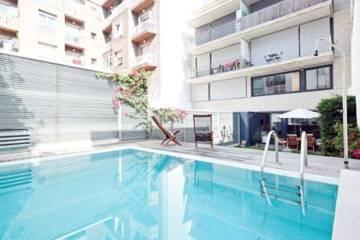 Alojamiento rom ntico en barcelona for Hoteles con piscina climatizada en barcelona