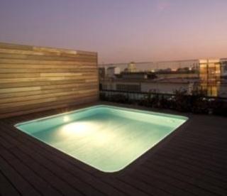 Hoteles con piscina privada en la habitaci n barcelona for Hoteles sevilla con piscina