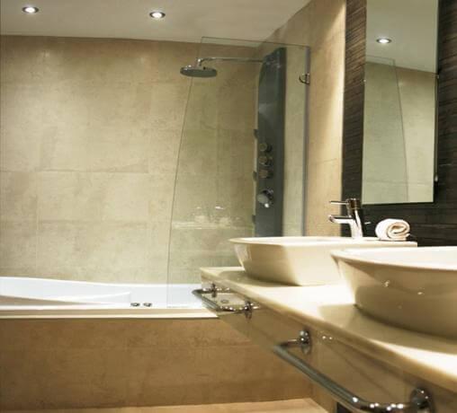 Hoteles con jacuzzi privado en la habitaci n en ceuta for Hoteles romanticos en madrid con piscina o jacuzzi privado
