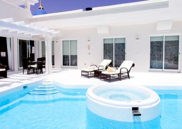 Hoteles con jacuzzi privado en la habitaci n en for Villas con piscina privada en fuerteventura