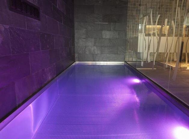 Hoteles con piscina privada en la habitaci n girona - Habitacion piscina climatizada privada ...