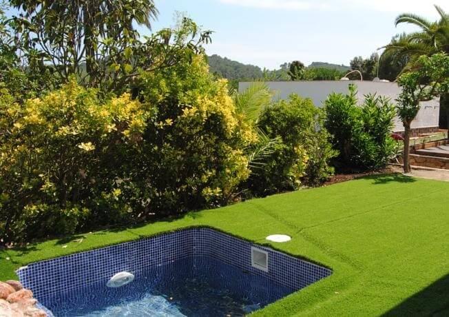 Hoteles con piscina privada en la habitaci n girona for Hoteles con piscina