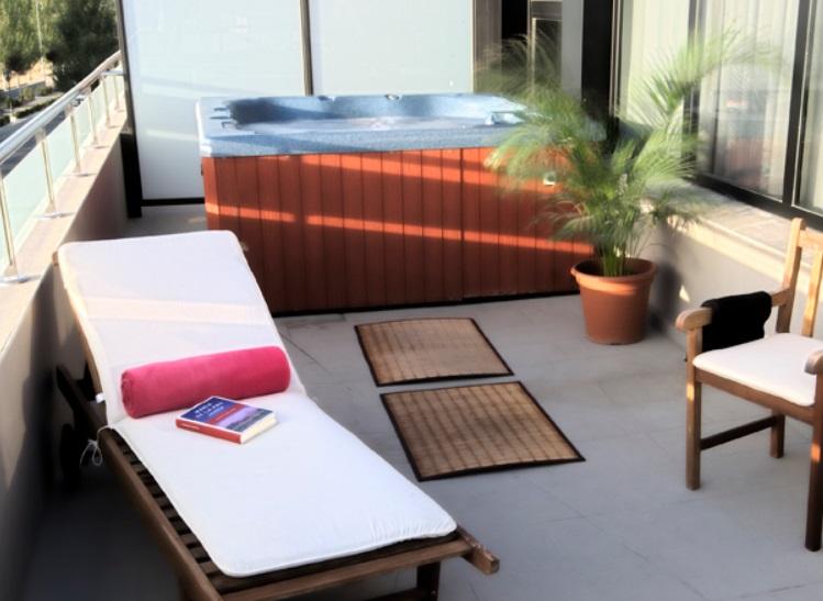 Hoteles con jacuzzi privado en la habitaci n en granada - Jacuzzi en la terraza ...