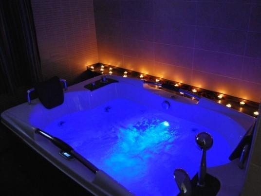 Hoteles romanticos jacuzzi habitacion con las mejores - Fotos de jacuzzi ...