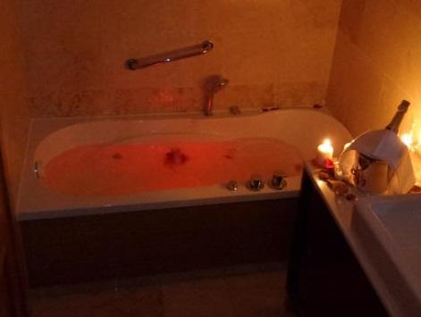Hoteles con jacuzzi privado en la habitaci n en lanzarote for Hoteles en madrid con terraza en la habitacion