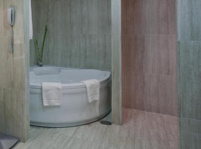 hotel con jacuzzi en la habitacin madrid