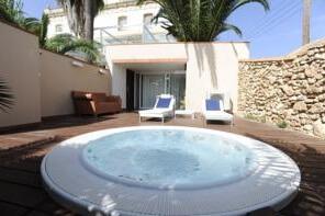 Hoteles con jacuzzi privado en la habitaci n tarragona for Hoteles con piscina privada en la habitacion madrid