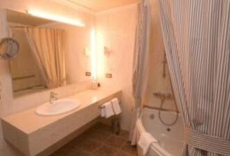 Hoteles con jacuzzi privado en la habitaci n tarragona for Hoteles con piscina en tarragona