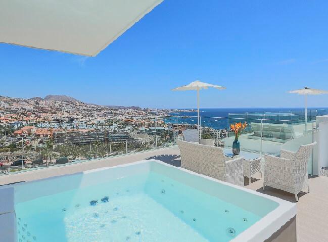 Hoteles con jacuzzi privado en la habitaci n en tenerife for Hotel piscina habitacion