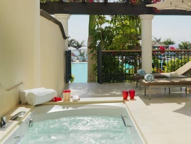 Hoteles con jacuzzi privado en la habitaci n en tenerife for Piscinas publicas en el sur de tenerife