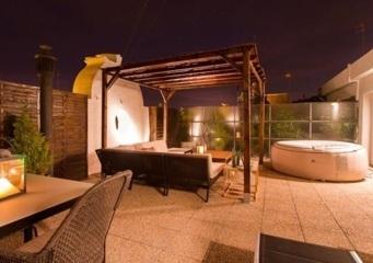Hoteles con jacuzzi privado en la habitaci n valencia for Hoteles en valencia con piscina