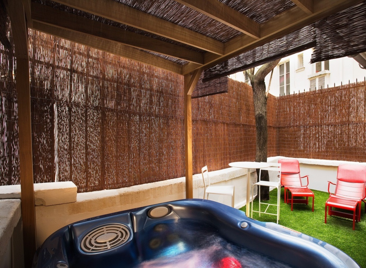 Hoteles con jacuzzi privado en la habitaci n par s for Hoteles con microondas en la habitacion