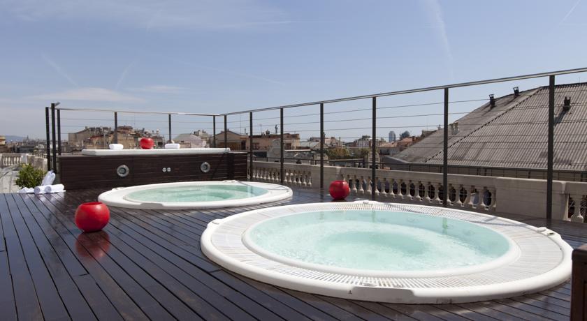 Hoteles con jacuzzi en barcelona for Hoteles con habitaciones cuadruples en barcelona