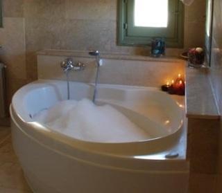 Hoteles con jacuzzi privado en la habitaci n en cuenca for Hoteles con piscina en cuenca