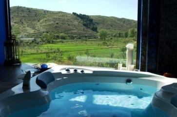 Hoteles con jacuzzi privado en la habitaci n en zaragoza for Hoteles romanticos en madrid con piscina o jacuzzi privado