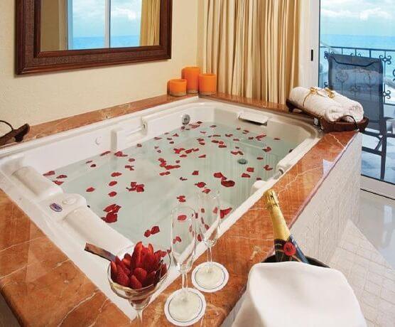 Hoteles con jacuzzi privado en la habitaci n en canc n Hoteles con jacuzzi en la habitacion