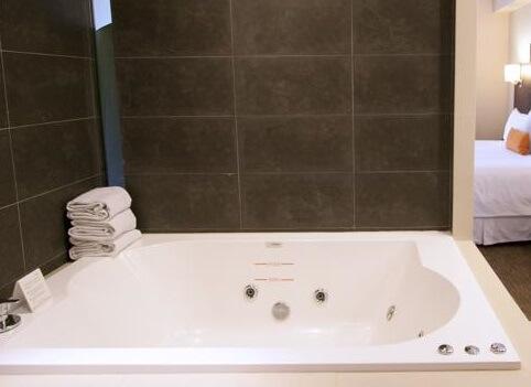 Hoteles con jacuzzi privado en la habitaci n en ciudad de for Hoteles con jacuzzi en la habitacion