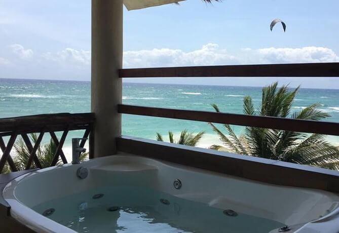 Hoteles con jacuzzi privado en la habitaci n en tulum for Hoteles romanticos en madrid con piscina o jacuzzi privado